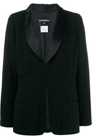 CHANEL 2006's boxy blazer