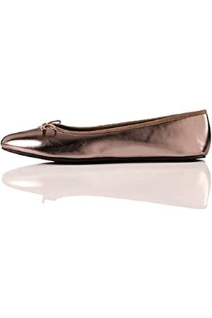FIND Simple Closed Toe Ballet Flats