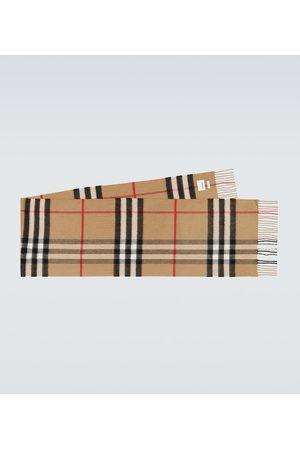 Burberry Classic cashmere scarf