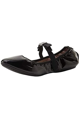 Butterfly Twists Women's Aria Closed Toe Ballet Flats