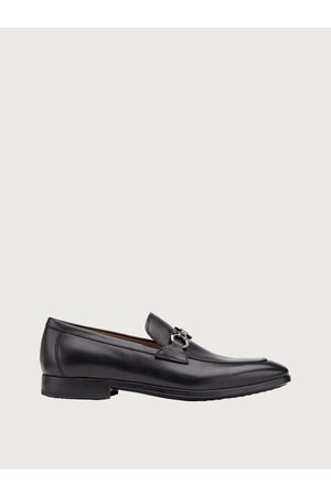 Salvatore Ferragamo Men Gancini loafer Size 4