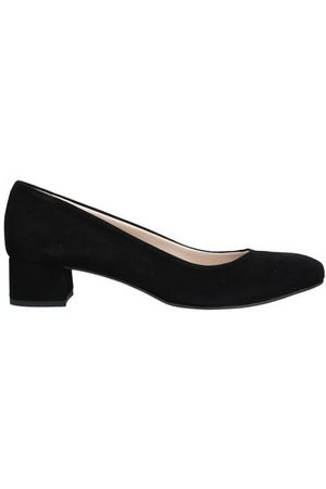 LUISA B. FOOTWEAR - Courts