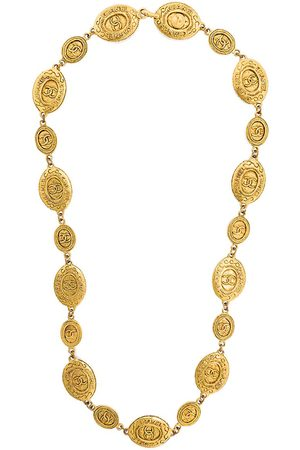 CHANEL Embossed medallions necklace - Metallic