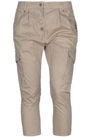 Napapijri TROUSERS - 3/4-length trousers