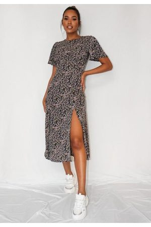 Missguided Floral Print Flutter Sleeve Midi Dress