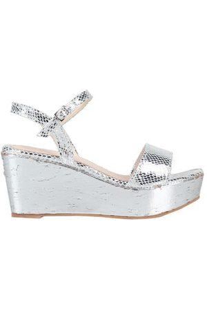 UNLACE FOOTWEAR - Sandals