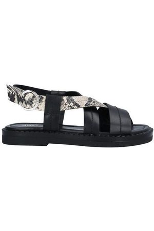 JANET & JANET FOOTWEAR - Sandals