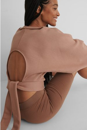 NA-KD Open Back Sweater - Pink