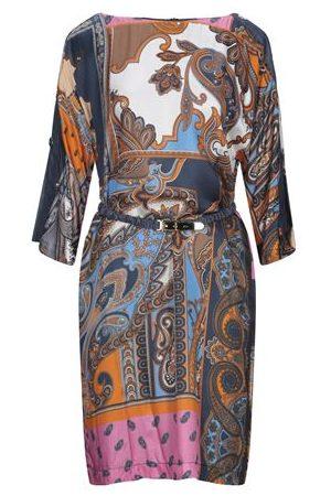 CLIPS DRESSES - Short dresses