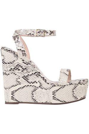 SCHUTZ FOOTWEAR - Sandals