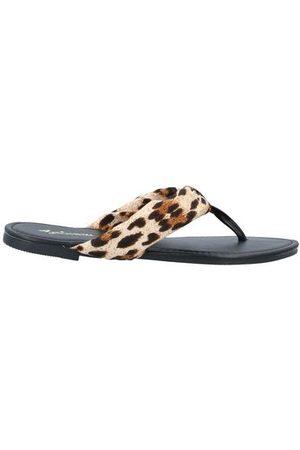 4GIVENESS FOOTWEAR - Toe post sandals