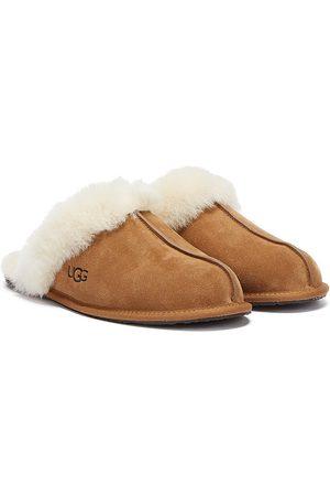 UGG Scuffette II Womens Chestnut Sheepskin Slippers