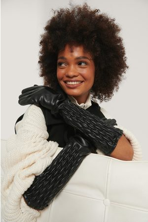 NA-KD Quilt Detailed Long Gloves - Black