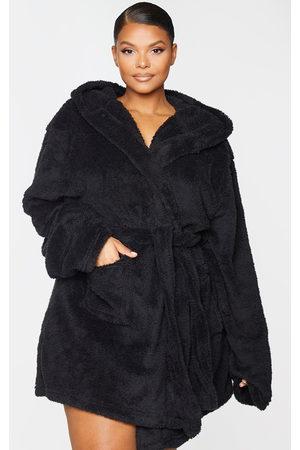PRETTYLITTLETHING Plus Fluffy Dressing Gown
