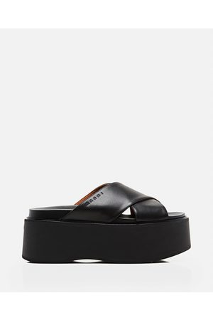 Marni Leather platform sandals with criss-cross straps size 36