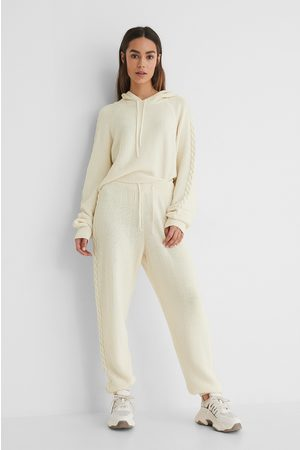 Lisa-Marie Schiffner x NA-KD Cable Detail Knitted Sweatpants - Offwhite