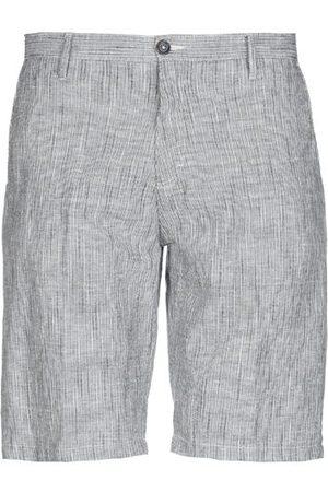 DIKTAT TROUSERS - Bermuda shorts
