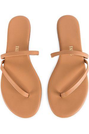 Tkees Sarit Sandal in . Size 6, 5, 7, 8, 9.