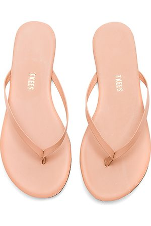 Tkees Foundations Matte Flip Flop in . Size 6, 7, 5, 8, 9.
