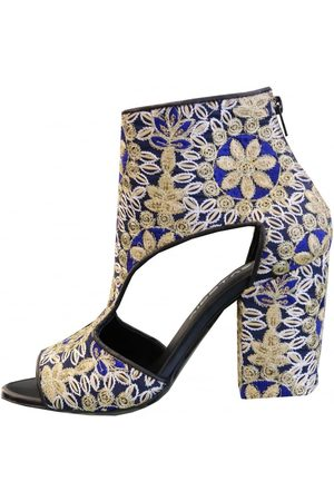 Strategia Women Ankle Boots - Cut Out Ankle Boot A3276