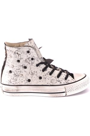 Converse Trainers in