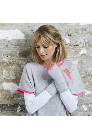 Cove Cashmere wrist warmers & neon pink