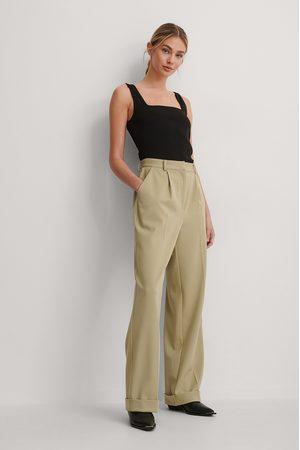 Gøhler x NA-KD Pleat Suit Pants - Green