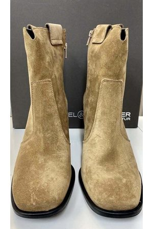 Kennel & Schmenger Suede ankle boots Boots in Wood 41-64700-412