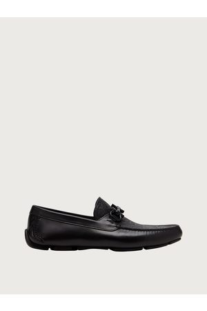 Salvatore Ferragamo Men Loafers - Men Gancini driver moccasin Size 4.5
