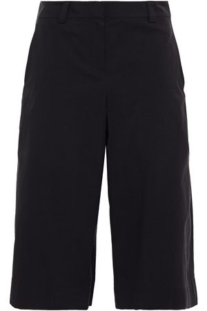 THEORY Woman Knee Length Shorts Size 0