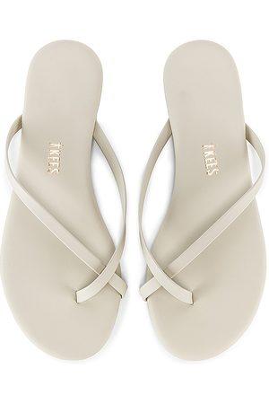 Tkees Riley Vegan Sandal in . Size 5, 6, 7, 8, 9.