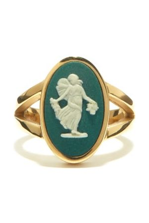 Ferian Dancing Hours Wedgwood Cameo & Gold Signet Ring - Womens