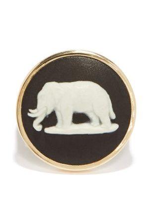 Ferian Elephant Wedgwood Cameo & 9kt Gold Signet Ring - Womens