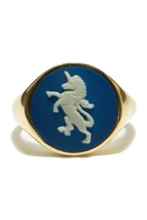 Ferian Portland Wedgwood Cameo & 9kt Gold Signet Ring - Womens