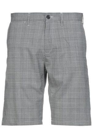 Carhartt Men Bermudas - TROUSERS - Bermuda shorts
