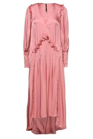 MOTHER OF PEARL DRESSES - Knee-length dresses