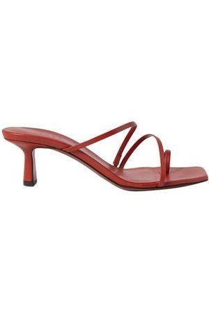 NEOUS FOOTWEAR - Toe post sandals