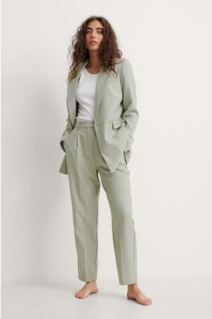 NA-KD Women Trousers - Recycled Cropped Suit Pants - Green