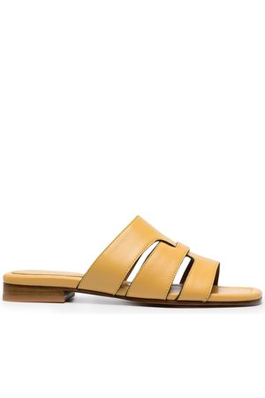 MANU Flat leather sandals