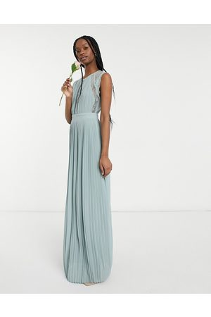 TFNC Women Maxi Dresses - Bridesmaid lace insert plunge front maxi dress in sage