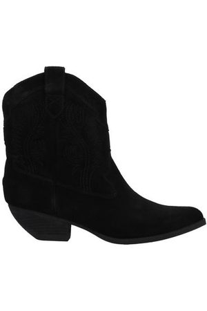 Jeffrey Campbell Women Ankle Boots - FOOTWEAR - Ankle boots