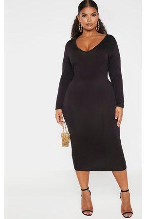 PRETTYLITTLETHING Plus Jersey V Neck Long Sleeve Midi Dress