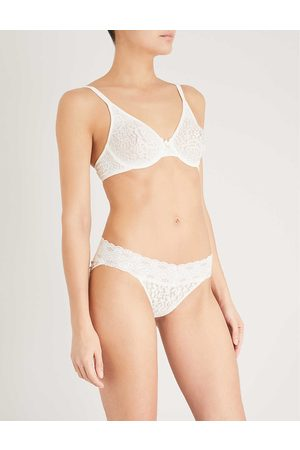 Wacoal Halo stretch-lace moulded underwired bra