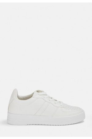 Missguided Off- Chunky Sole Trainers