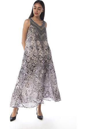INOA Flowing Maxi Dress in Casablanca