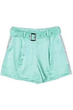 GAIALUNA TROUSERS - Shorts