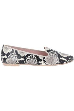 PRETTY BALLERINAS FOOTWEAR - Loafers