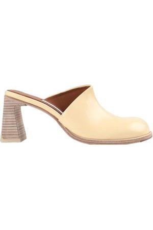 MIISTA FOOTWEAR - Mules
