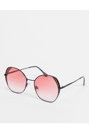 Jeepers Peepers Oversized angled sunglasses in with pink lens and lens detail