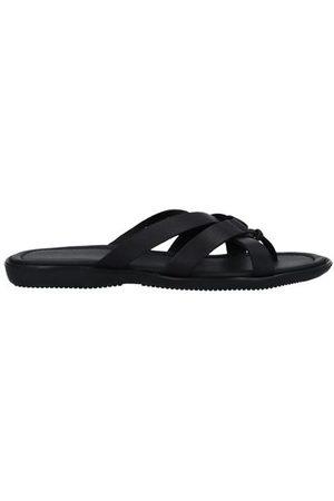 Doucal's FOOTWEAR - Toe post sandals